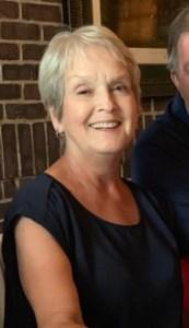 Linda Leslie  Holton