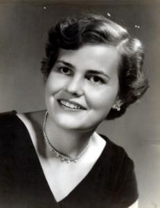 Lynette  Barrington