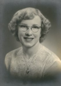 Gwendolyn Joan  Roberts