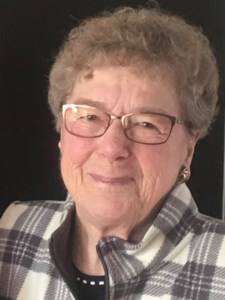 Lorraine Gladys  Manz