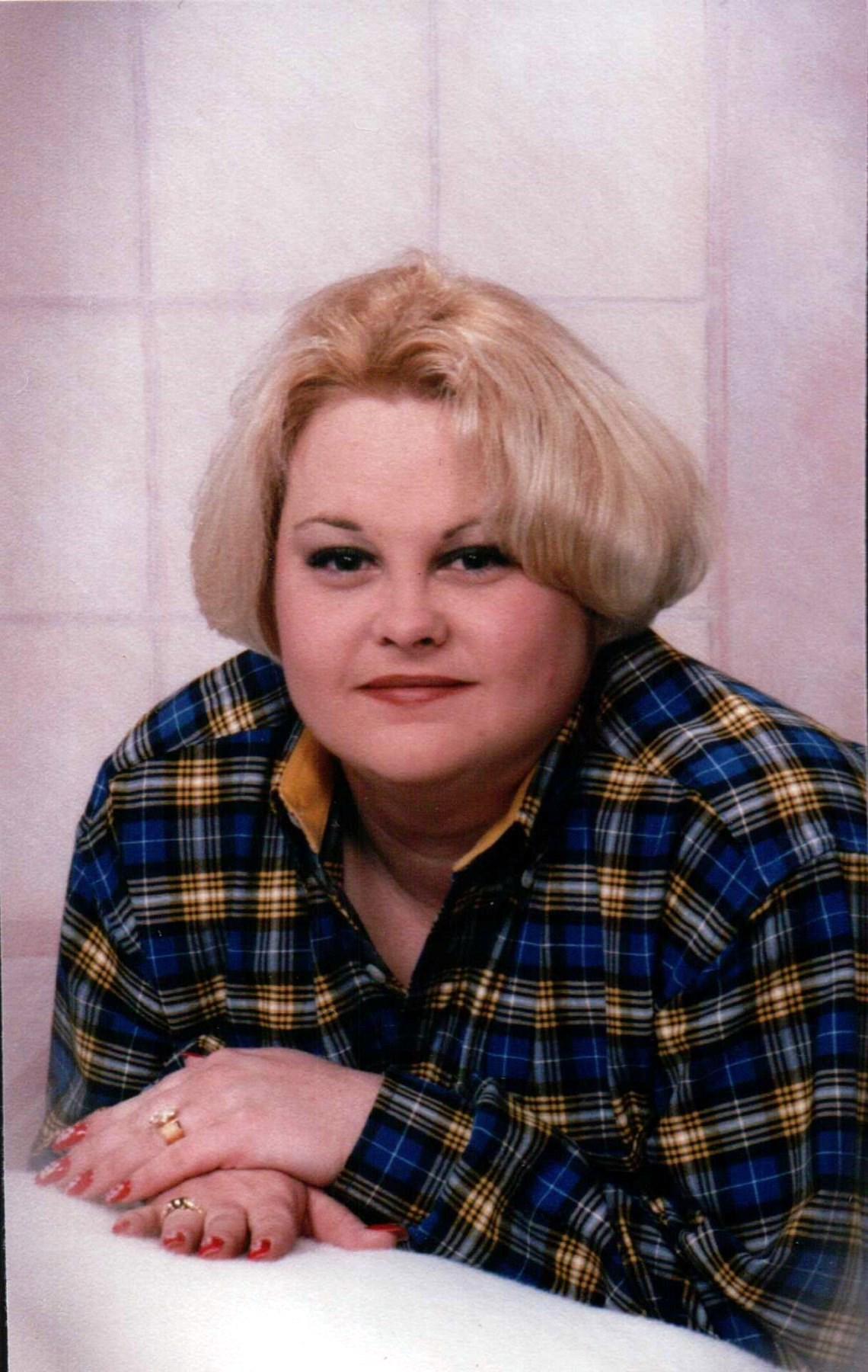 Elizabeth Elaine  Taylor
