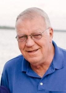 Roger Wayne  Hollerud