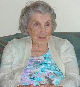 Lola  Taplin