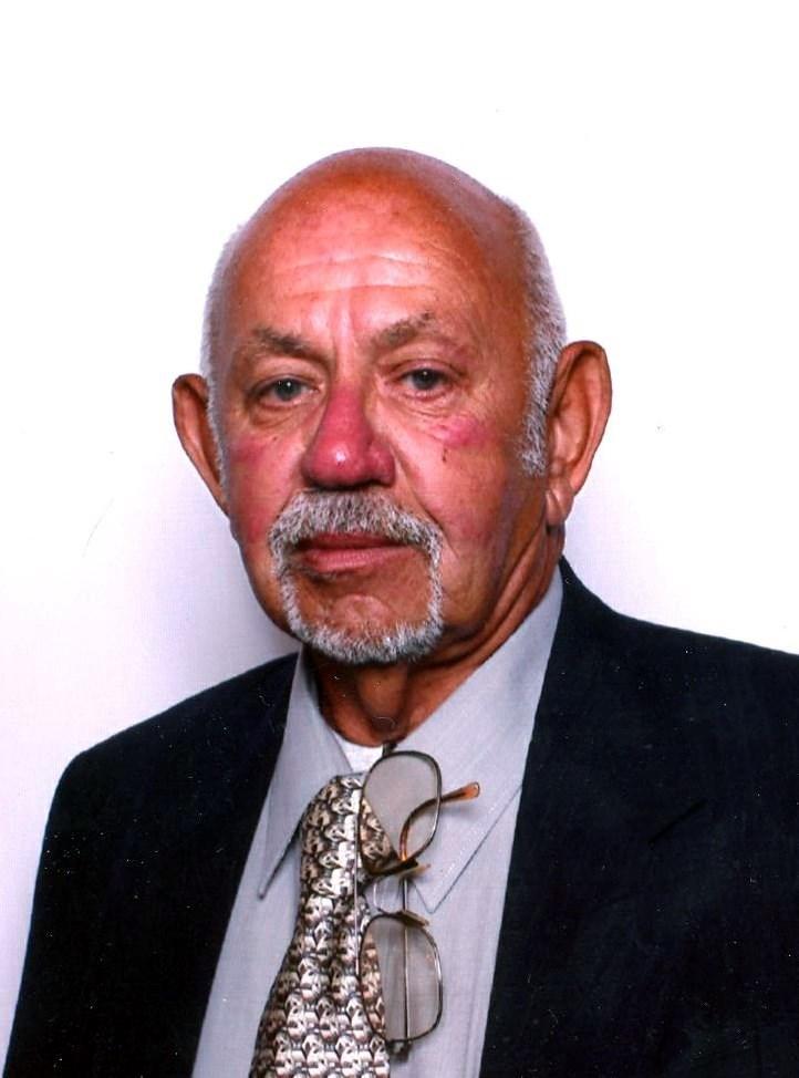 Richard W  Egan