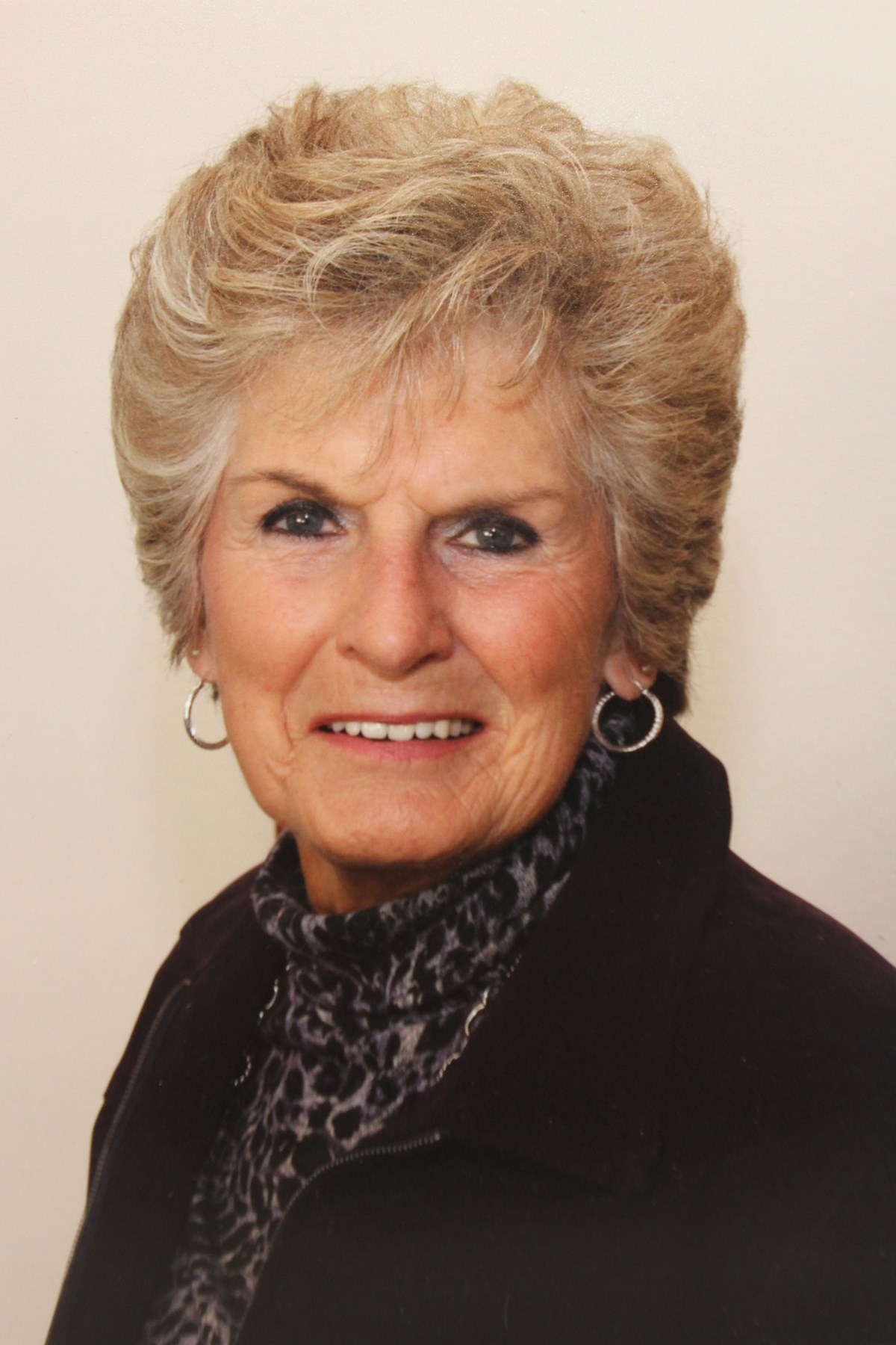 Dolores Dwyer advise