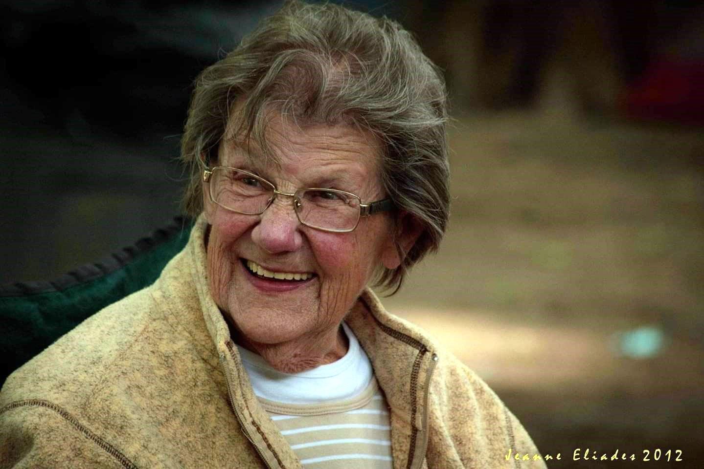 Evelyn Dorothy  McDonald