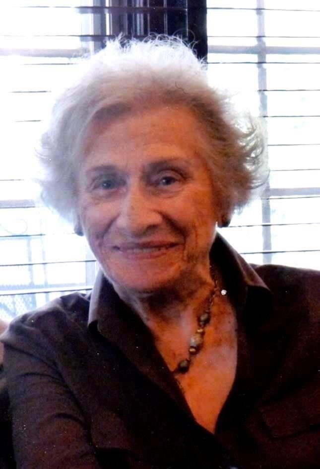 Edna V.  Blyda