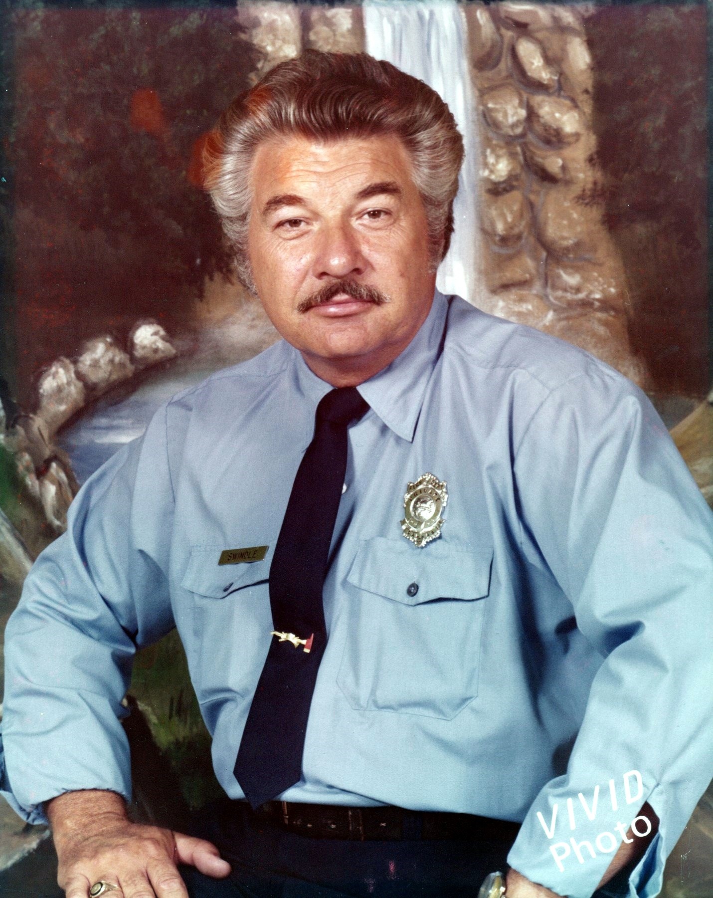 Mr.  Ernest Lavon  Swindle Jr.
