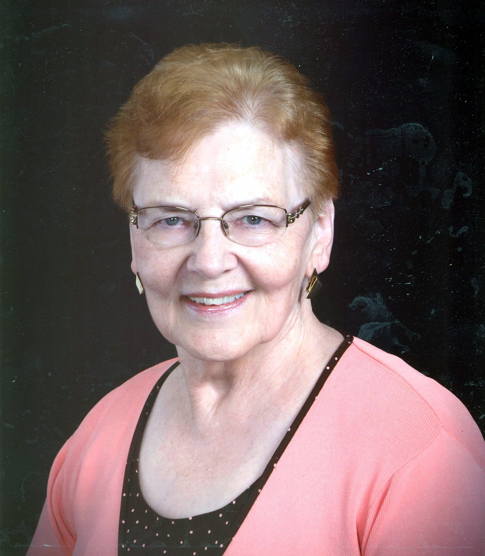 Mrs. Arnetta  Whitt