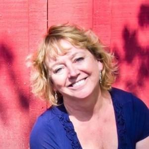Suzanne Rae  Sullivan