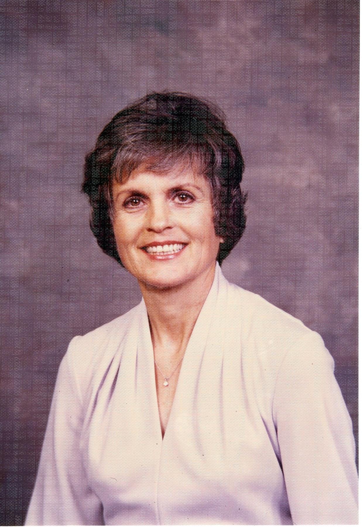 Betty Jo  Fouts