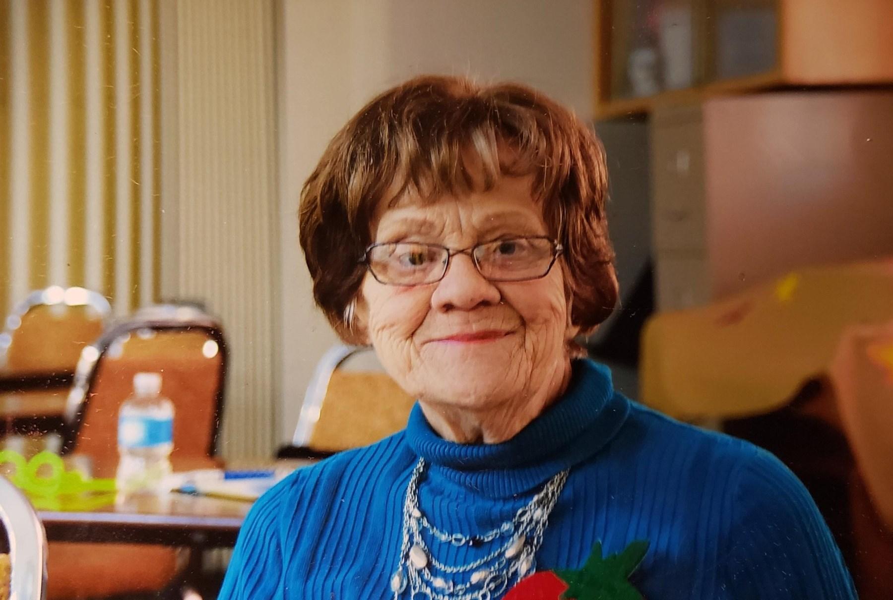 Betty Louise  Salter