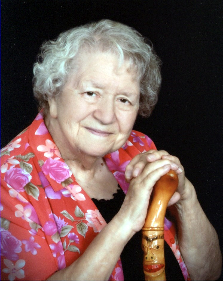 Evelyne Lucinda  Robertson