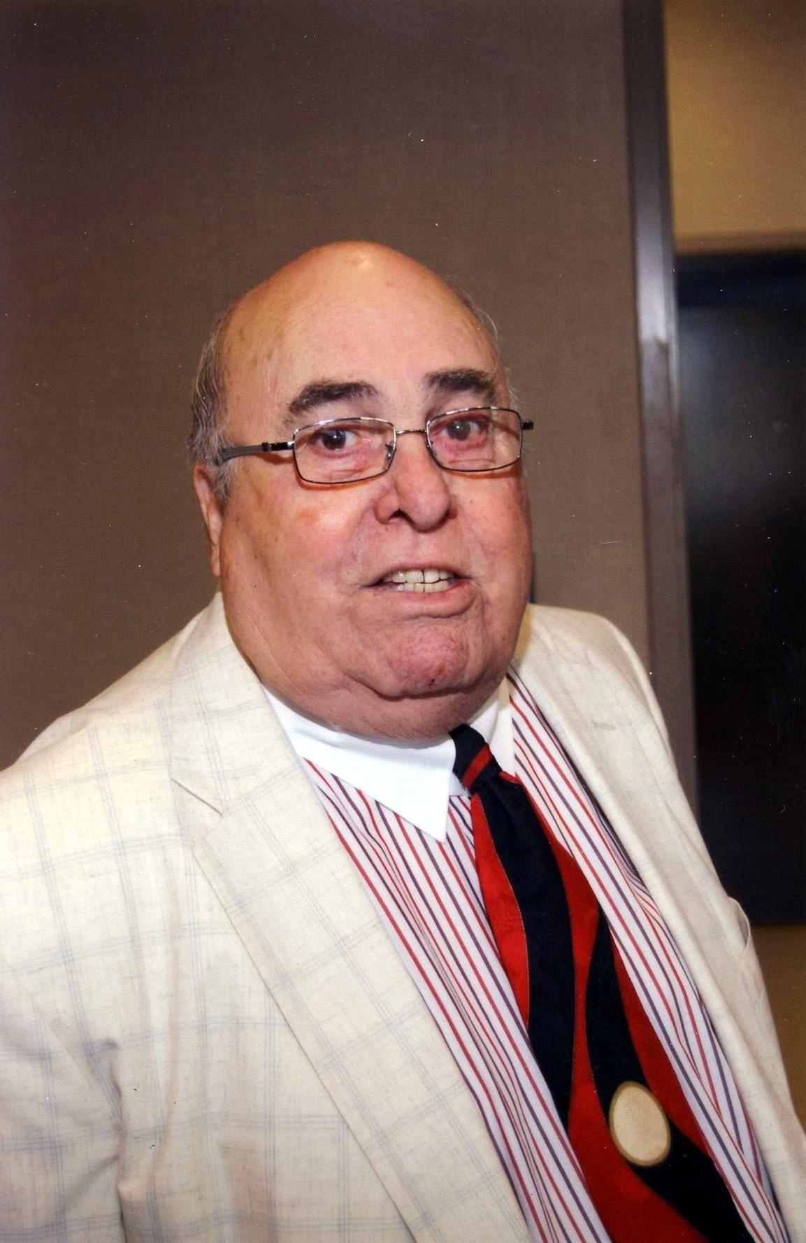 Mr. Arthur Gouveia  Santos