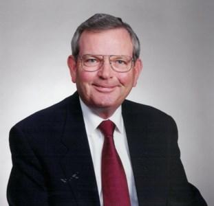 Robert Byron  Peterson