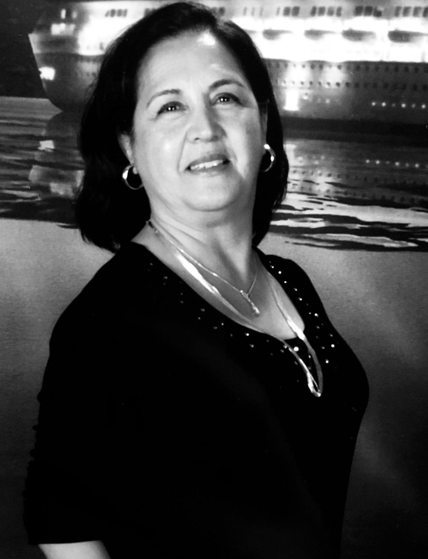 Martha Valdivieso  Hinke