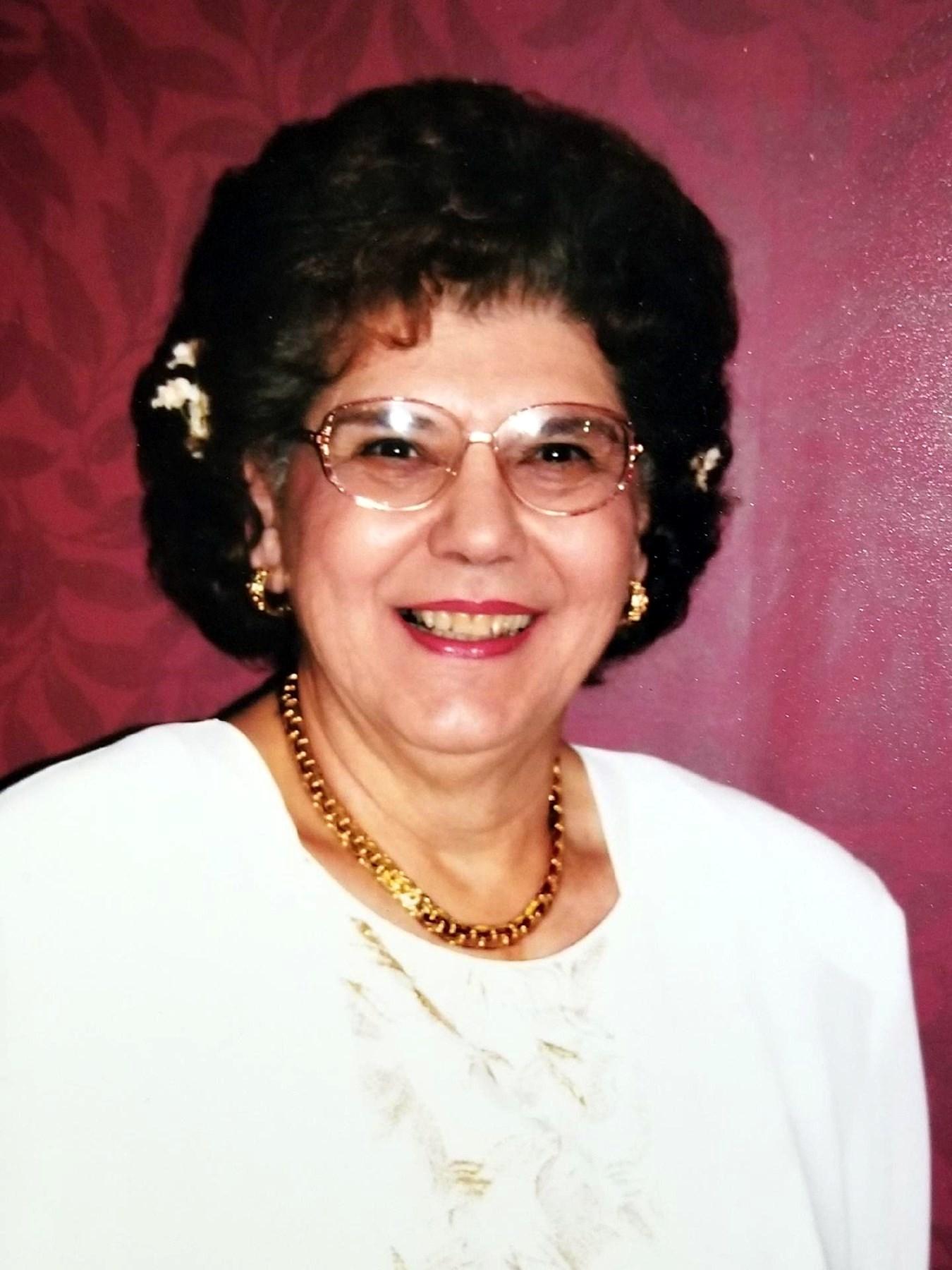 Mrs. Vera M  Cook