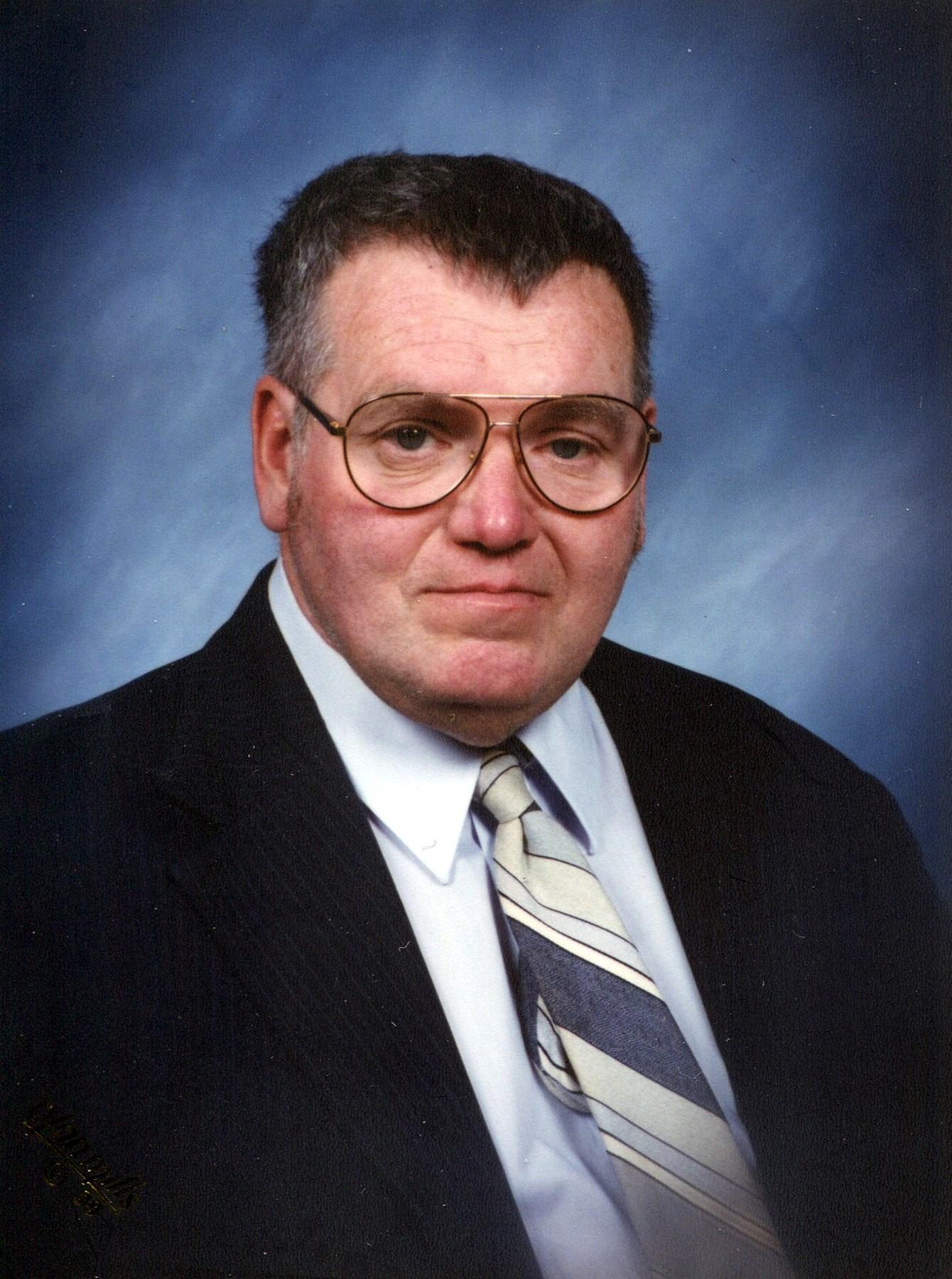 "Edward ""Coach"" Lee  Schwieger"