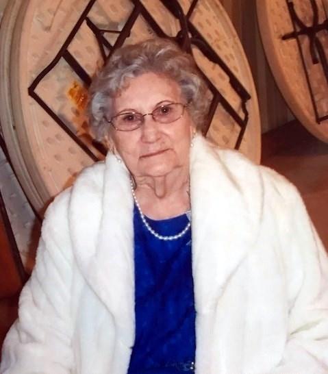 Myrna Lee  Gray