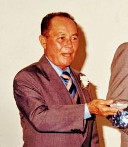 Luis  Alvarado Flores