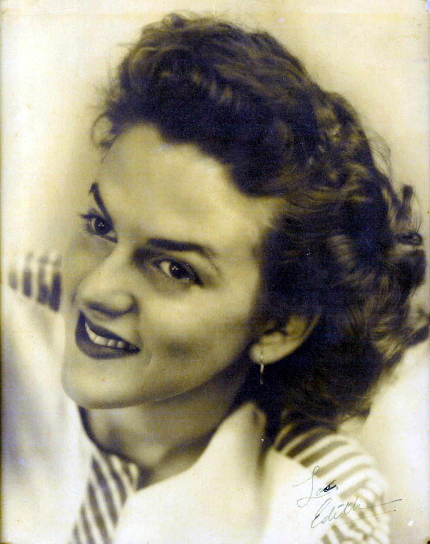 Edith Jo  Baier