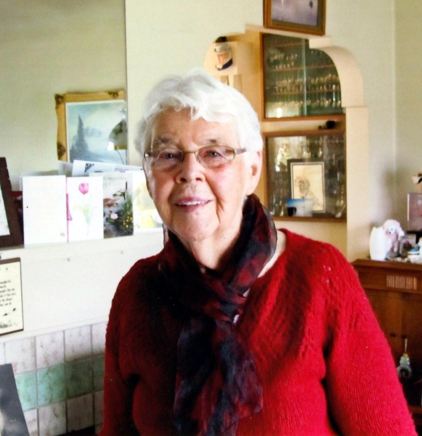 Mary Evelyn  DeWinter