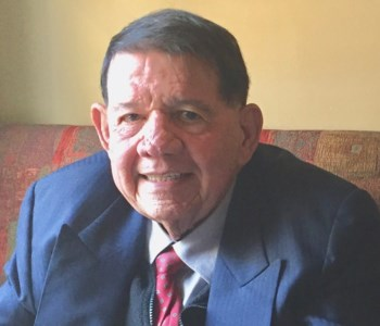 Dr. Luz Alex  Candelaria