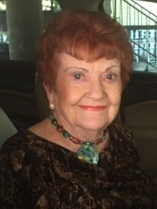 Lola Lois  Brune