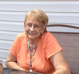 Rita Mae  Farmwald