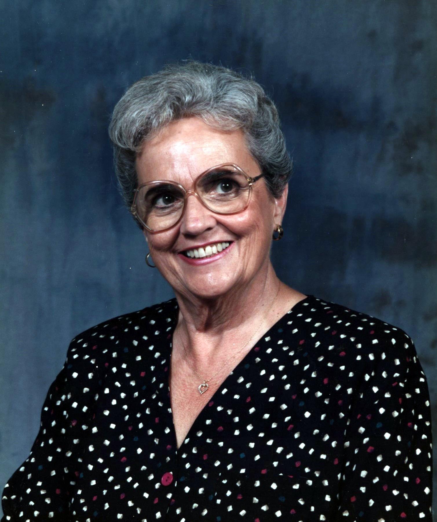 Maxie Joan  Harvey