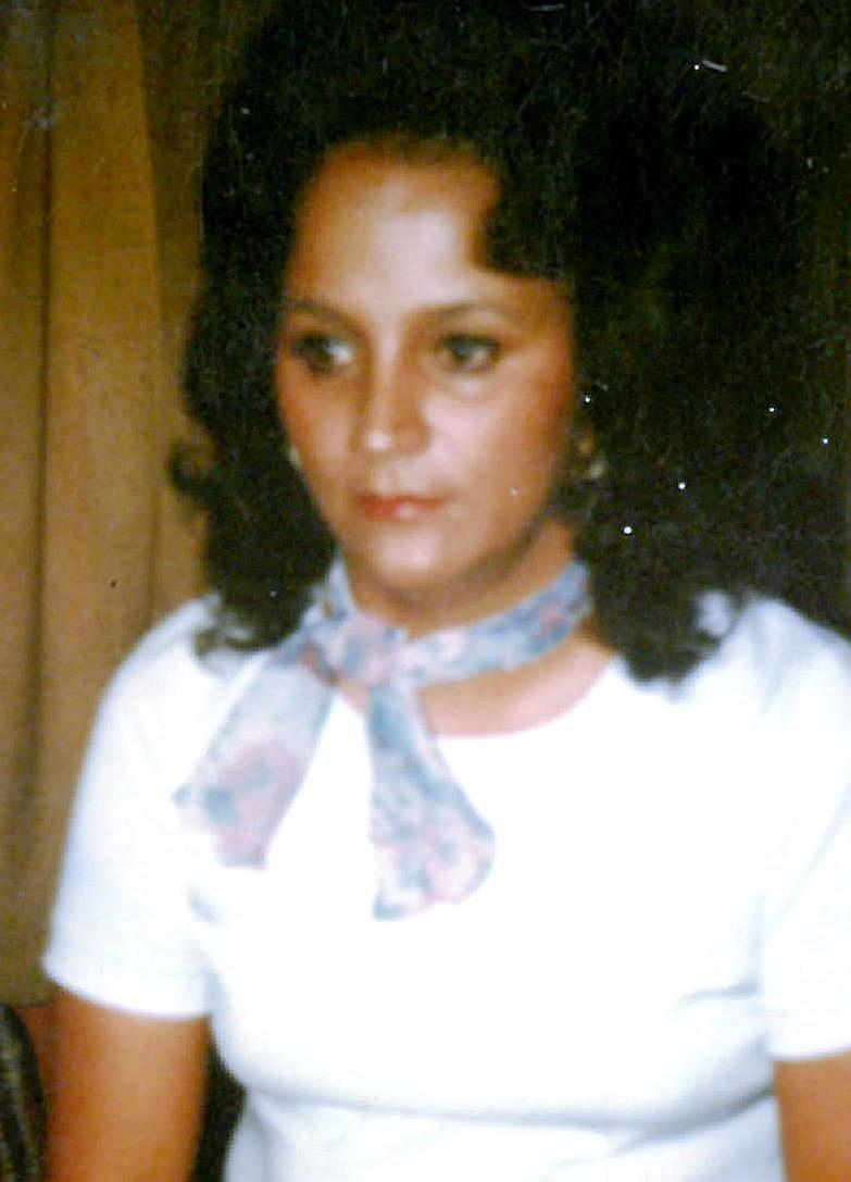Bonnie Olus  Green-Whitekiller