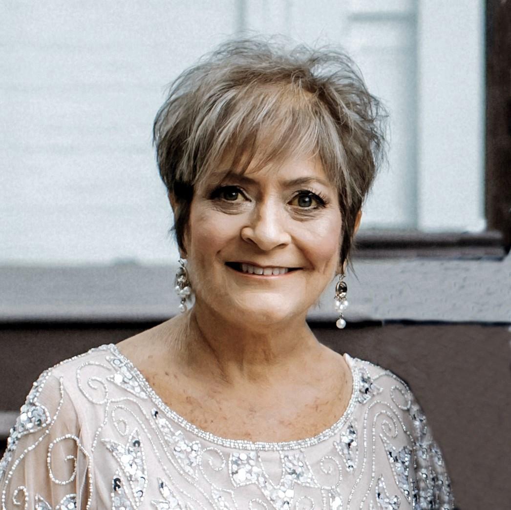 Angela Medders  Bobo
