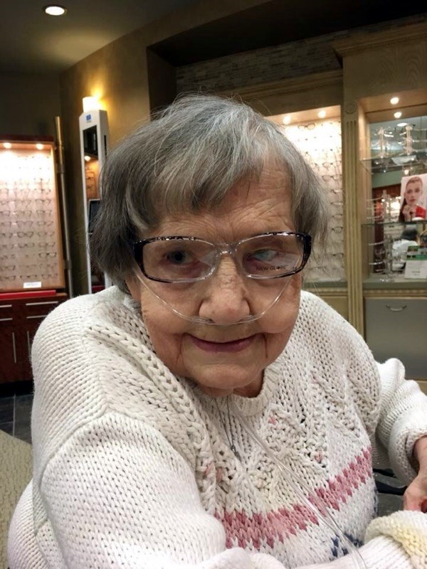 Sandra Lee  Holcomb